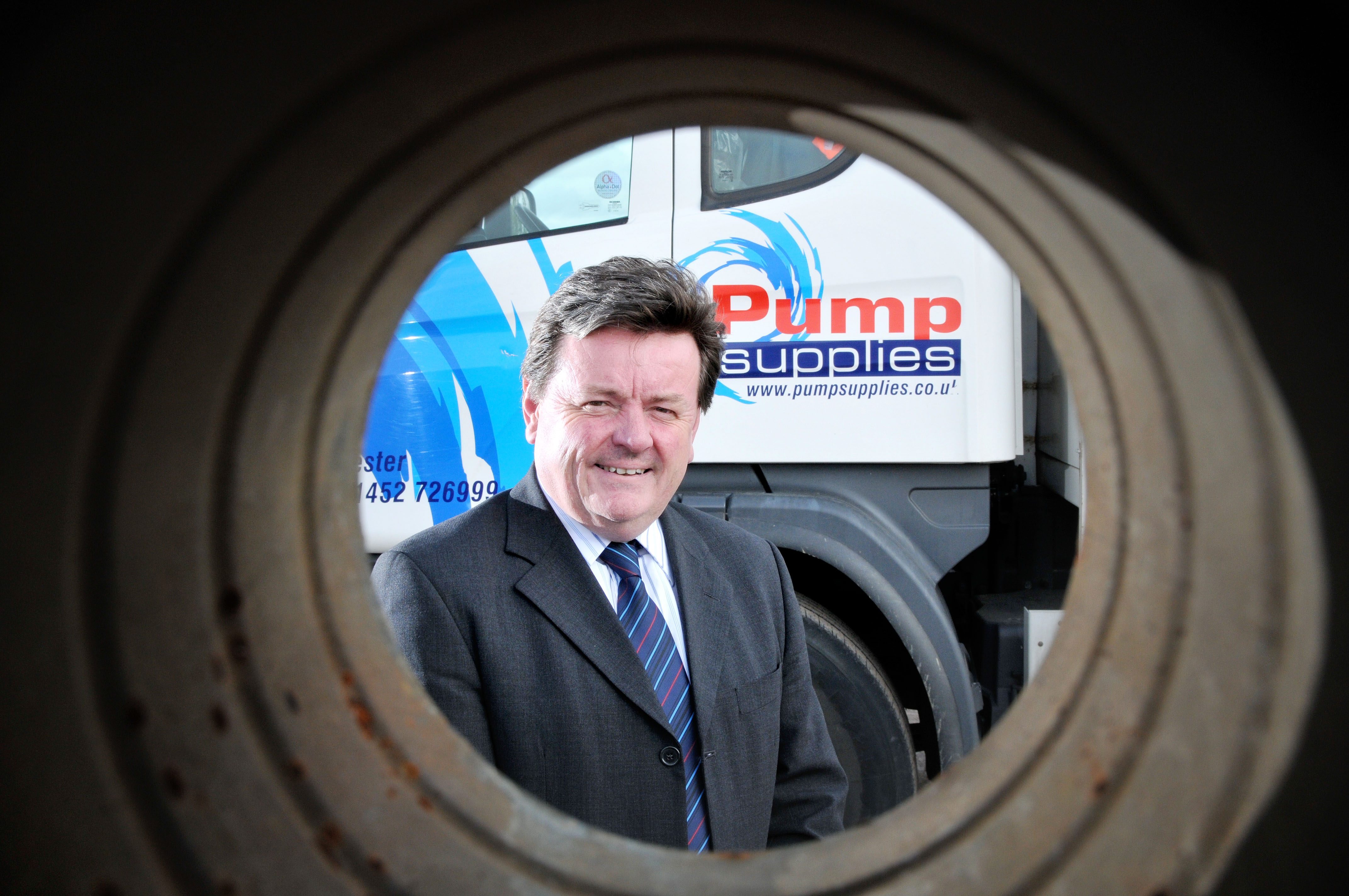 Lakers expands into uk with acquisitionof Pump Supplies Ltd